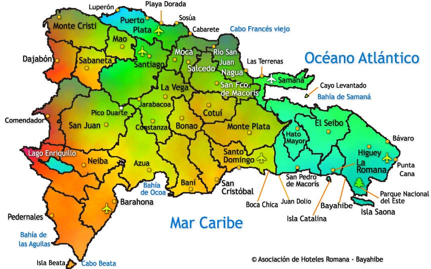 República Dominicana se ubica en el mismo centro de la región del Caribe.