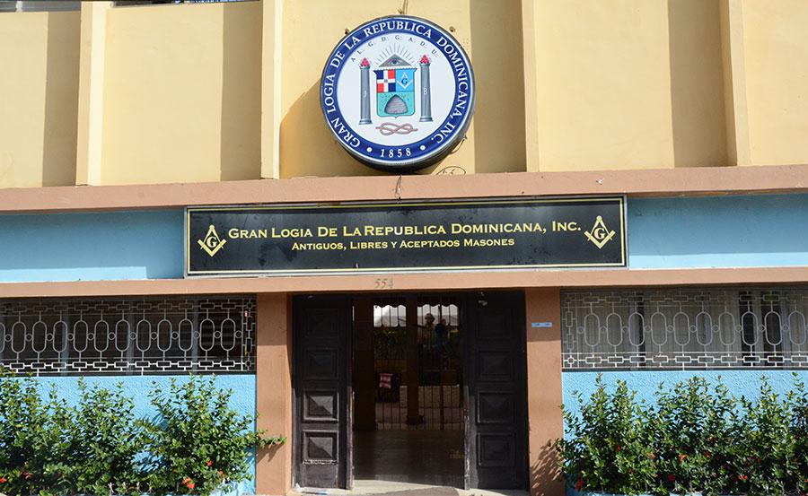 Sede principal de la Gran Logia de República Dominicana en la calle Arzobispo Portes.