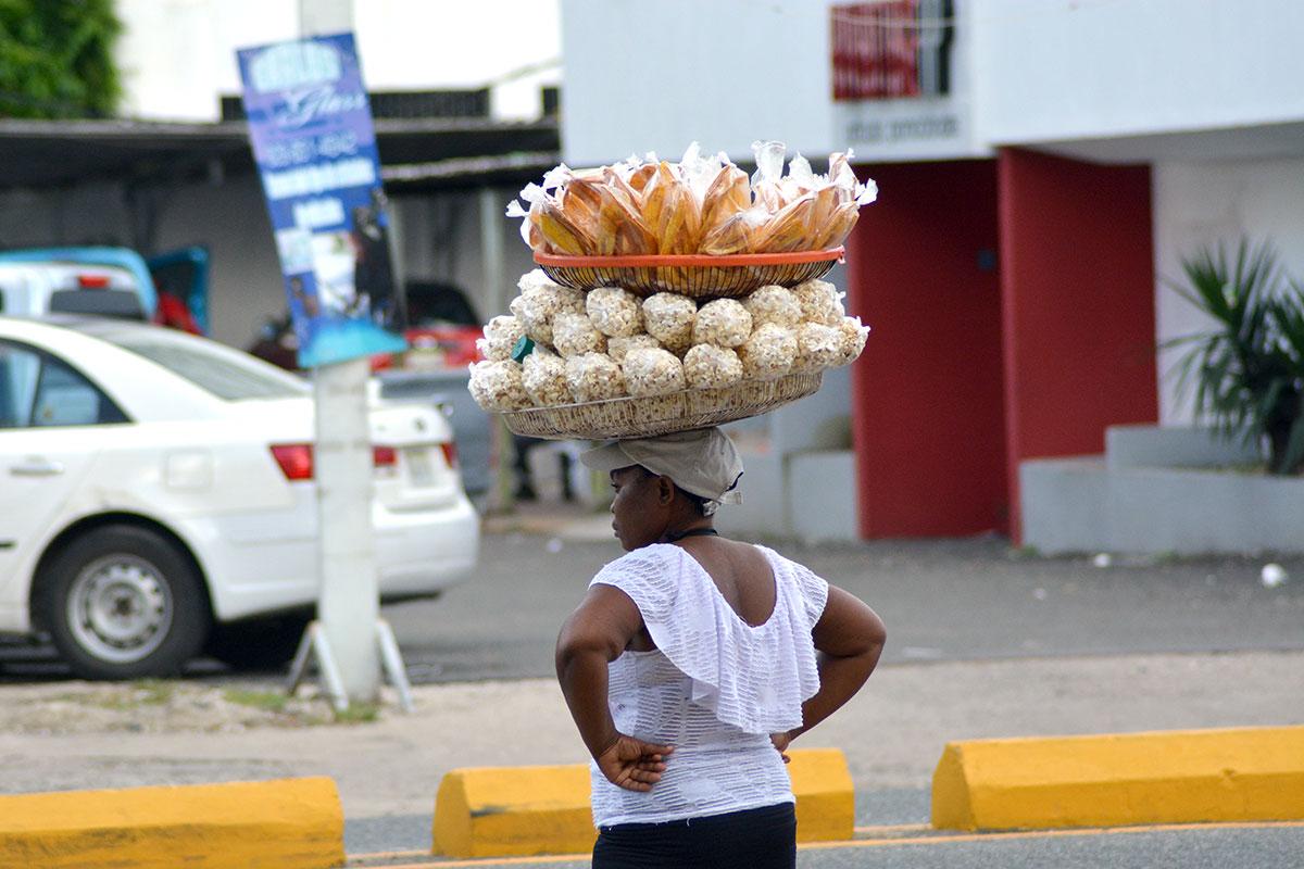 mujer trabajadora informal
