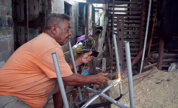 poblacion adulta dominicana