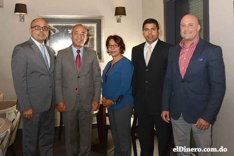 Jairon Severino, Rubén Jiménez Bichara, Lidia Medina, Esteban Delgado y René del Risco Bobea.
