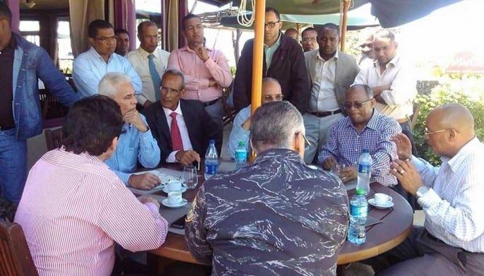 Durante la crisis hubo encuentros entre autoridades y la comunidad.