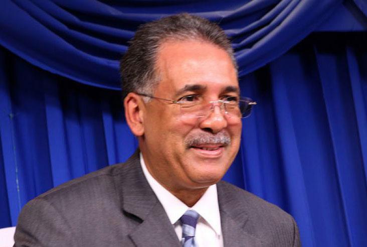 Simón Lizardo, administrador del Banco de Reservas.