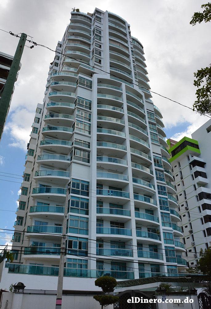 10. Torre Carib: Es otra de las edificaciones que más caracterizan la avenida Anacaona, la cual cuenta con 23 pisos edificados en 85 metros de altura. | Lésther Álvarez