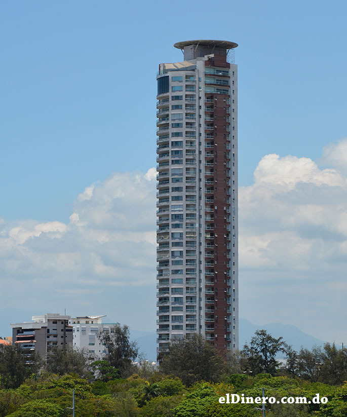 1. La Torre Caney ocupa el primer puesto entre los edificios más altos de Santo Domingo. | Lésther Álvarez