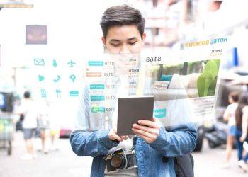 La experiencia que deben vivir los turistas con la tecnología va desde realizar un check-in y check-out sin contacto hasta la forma para ordenar la comida. | Canva
