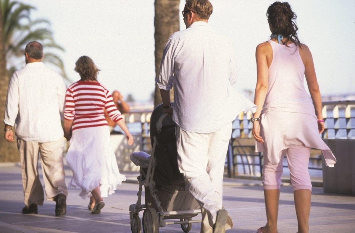 turistas en la costa del sol.